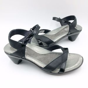 Naot Womens size 38 Heels Sandals Black Leather